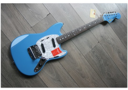 FENDER Traditional Mustang 70 Matching Head in California Blue, Made In Japan