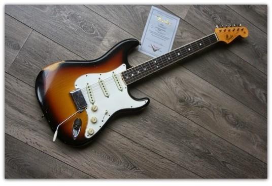 Masterbuild Paul Waller ´65 Stratocaster Relic, Three Tone Sunburst