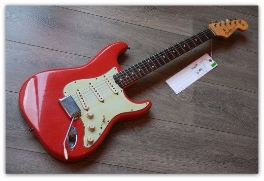 Stratocaster Custom Shop 1960 Limited Edition Fiesta Red