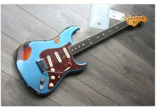 """60s Strat """"Binding Neck"""" Limited"""
