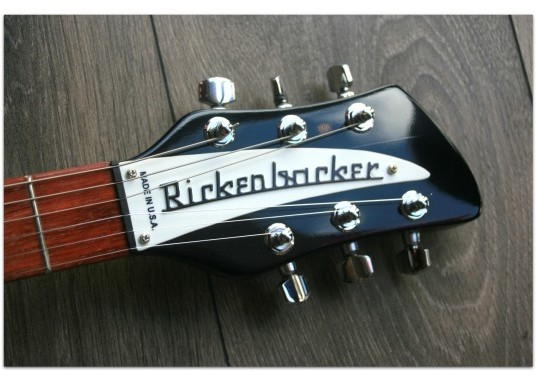 RICKENBACKER 330 Black Year 2011