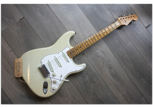 FENDER 2018 Limited Journey Man Relic Tomatillo Green