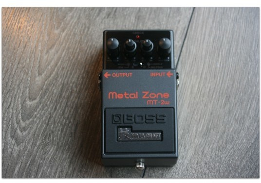 "BOSS ""Metal Zone MT-2w Waza Craft"" MADE IN JAPAN"
