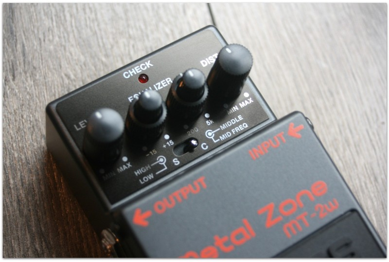 """BOSS """"Metal Zone MT-2w Waza Craft"""" MADE IN JAPAN"""