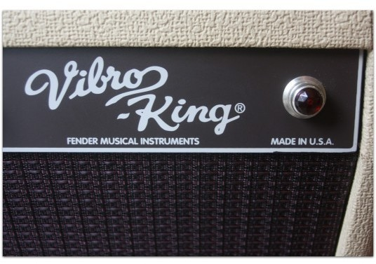 "FENDER ""Vibro-King 60-Watt 3x10 White"""