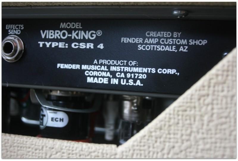 "FENDER ""Vibro-King 60-Watt 3x10 White"""