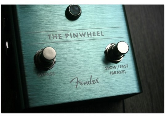 "FENDER ""The Pinwheel Rotary Speaker Emulator"""