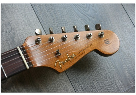 "FENDER ""Custom Shop Limited Roasted 1960 Stratocaster Relic Aged Vintage White"""