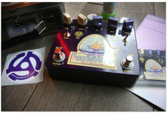 "ANALOG ALIEN ""Fuzz Bubbles 45"""