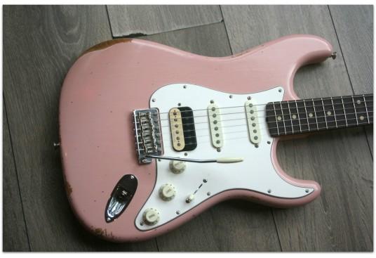 "FENDER ""Custom Shop 1960 Stratocaster HSS/CC Shell Pink"""