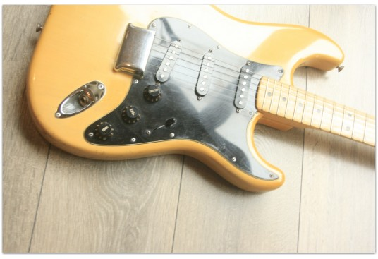 "FENDER ""Original 1979 Stratocaster Cream with original Hardcase"""