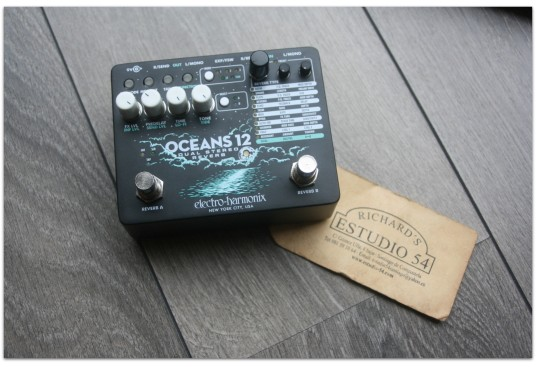 "EHX ""Oceans 12 Dual Stereo Reverb"""