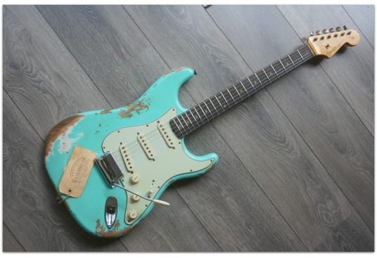 "FENDER ""Custom Shop 60 Stratocaster Fade Aged Heavy Relic Sea Foam Green"""