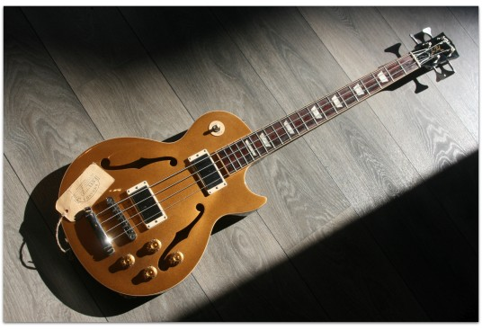 "GIBSON ""ES-Les Paul Bass Gold Top"""