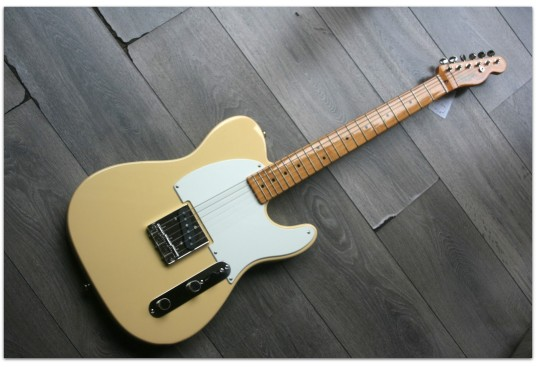 "SQUIER ""FSR Ltd Edition Classic Vibe Esquire in Vintage White! LIMITED /ASHTRAY NOT INCLUDED"