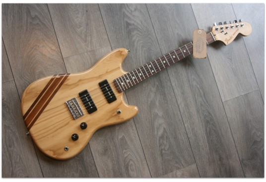 "FENDER ""Limited Edition American Shortboard Mustang Special RW NAT 2015 Natural with Hardcase"""