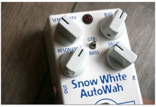 "MAD PROFESSOR ""Snow White Auto Wah"""