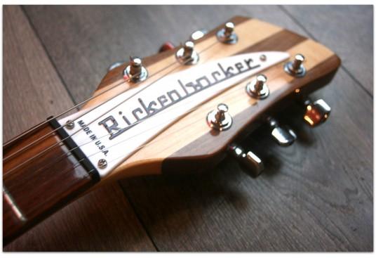"RICKENBACKER ""330 MapleGlo Natural"" (2013)"