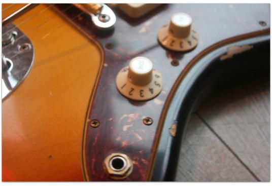 """FENDER """"Custom Shop 1965 Jazzmaster Relic, Laminated Rosewood ,3 Tone Sunburst"""""""