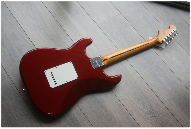 """SQUIER """"Classic Vibe '60s Stratocaster, Indian Laurel, Candy Apple Red"""""""