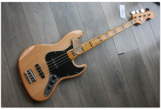 "SQUIER ""Classic Vibe 70 Jazz Bass Natural, Maple"""