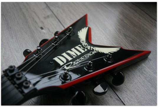 "DEAN ""Made In Usa Custom Shop Dime Razorback V Black/Red"" ORIGINAL DEANHARDCASE (2007)"