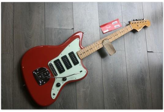 """FENDER """"Noventa Jazzmaster, Maple, Fiesta Red"""""""