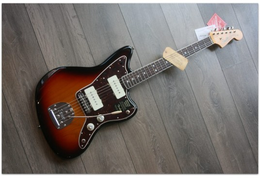 "Fender ""American Original '60s Jazzmaster,3 Color Sunburst, Laminated Rosewood"""