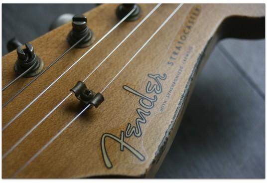 "FENDER ""Custom Shop 1960 Stratocaster Relic Heavy Relic Faded Aged Three Tone Sunburst"""