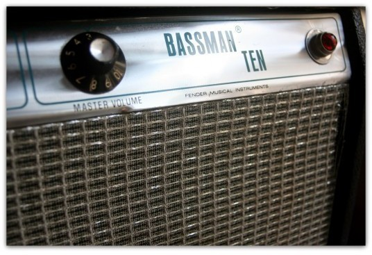 """Fender Silverface Bassman 10"""" 1979"""